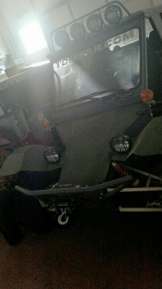 tom car front