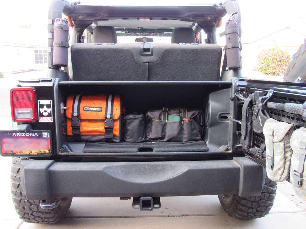 Jeep JK Security Tailgate Enclosure by Tuffy