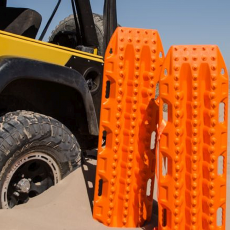 jeep recovery gear - maxtrax sand ladder
